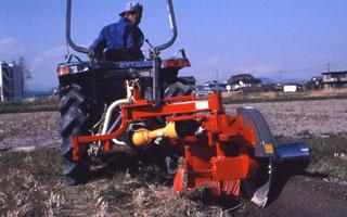 2007年もこの人、松下明弘さんの稲作をアンコメ店主がカメラをぶら下げて田圃ウォッチングに出掛けます。 この様子を店主独自の視点でレポート致します。ご期待ください!